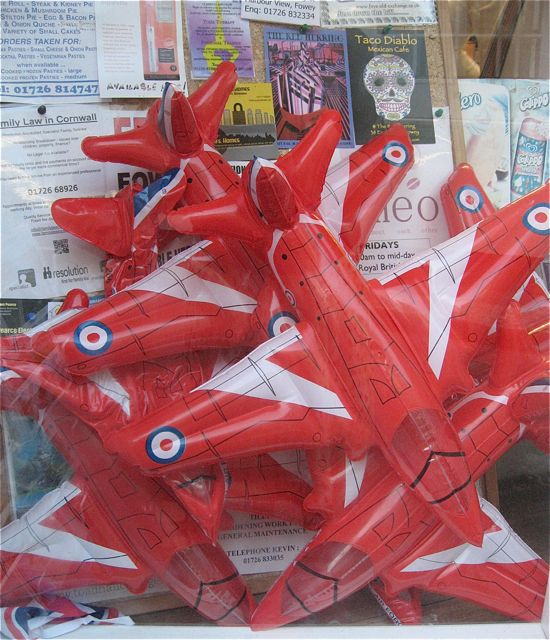 red arrows shop window