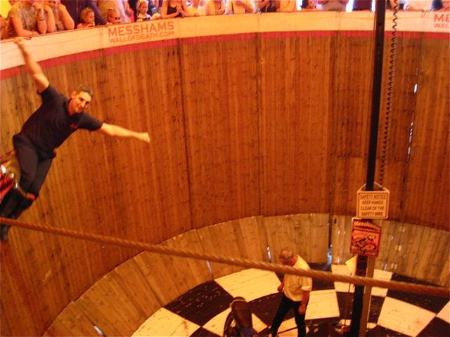 D Wall of Death 1